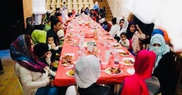 সৌদিতে প্রবাসী বাংলাদেশীদের পরিবার নিয়ে ইফতার