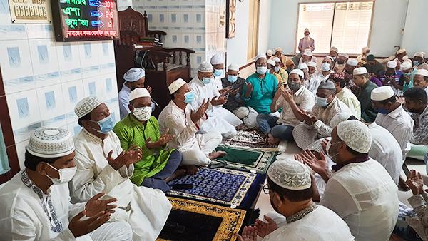 সিরাজগঞ্জ সদরের সাবেক এমপি মির্জা মুরাদুজ্জানের ২৬তম মৃত্যু বার্ষিকী উপলক্ষে দোয়া মাহফিল