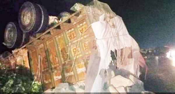 সিরাজগঞ্জে সেনাবাহিনীর পিকআপ ট্রাক সংঘর্ষে দুই সেনা সদস্য নিহত, আহত ৫