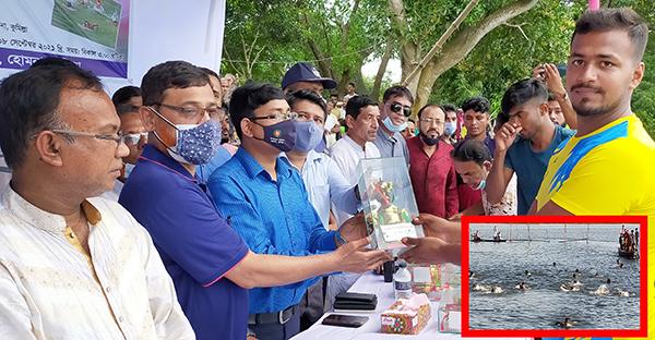 হোমনায় ঐতিহ্যবাহী দড়িচর বিলে সাতাঁর প্রতিযোগিতা